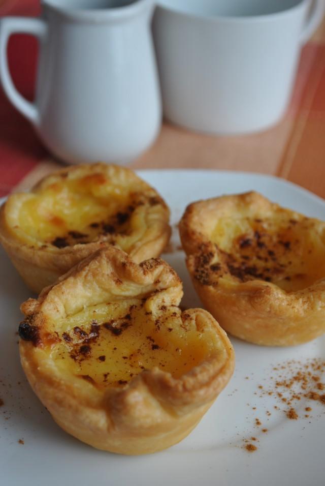 Canastretes de crema portuguesa